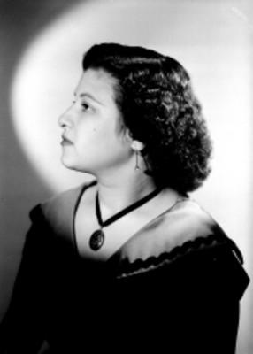 Rosa Rimoch, perfil, retrato