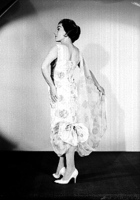 Stella Inda, con traje largo