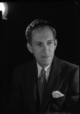 Gonzalo Curiel, musico y compositor, retrato