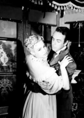 Liliana Durán y Carlos Navarro abrazados, retrato