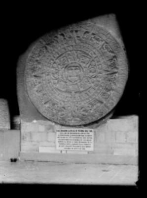 Piedra del Sol exhibido en sala del Antiguo Museo