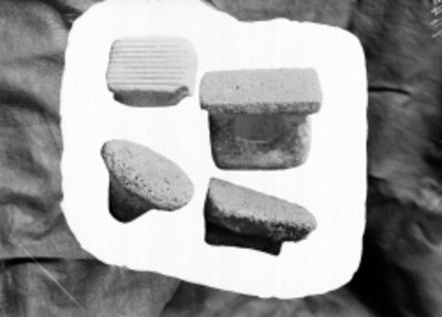 Pulidores y sellos prehispánicos en exhibición