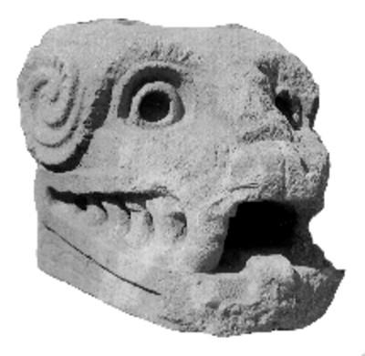 Ornamento teotihuacano con la forma de una cabeza zoomorfa