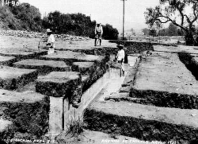 Excavaciones en la Pirámide de Cholula, vista parcial