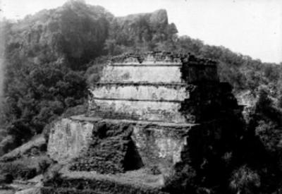 Vista de la Pirámide del Tepozteco