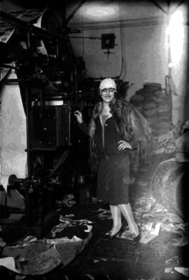 Margarita Carbajal en una empresa periodística, retrato