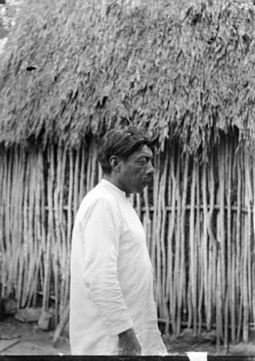 Hombre maya de perfil, retrato
