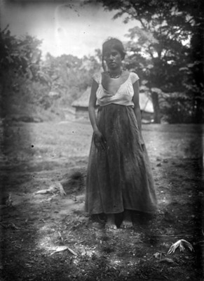 Mujer zapoteca de frente, retrato