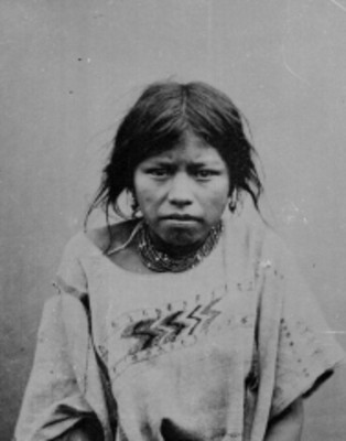 Mujer chinanteca de frente, retrato