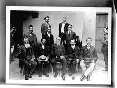 Venustiano Carranza acompañado de diputados constituyentes del estado de Hidalgo, retrato de grupo