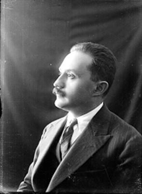José Vasconcelos, retrato de perfil
