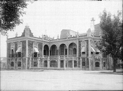 Casa de arquitectura neoclásica, fachada