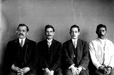 Trabajadores del Museo Nacional, retrato de grupo