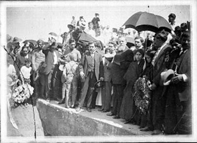 Venustiano Carranza durante una ceremonia fúnebre