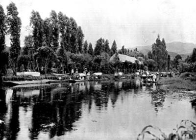 Embarcadero de trajineras en Xochimilco, vista general