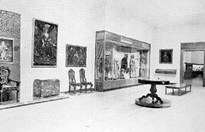 Sala de museo, reprografía bibliográfica