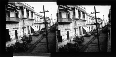 Carretas en la calle Benito Juárez, vista general