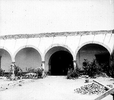 Patio de la casa en que vivió Miguel Hidalgo, vista parcial