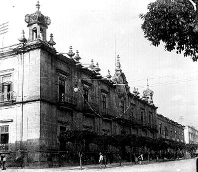 Palacio de Gobierno de Morelia, vista lateral