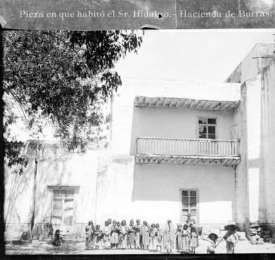 Pieza en que habitó el Sr. Hidalgo. Hacienda de Burras