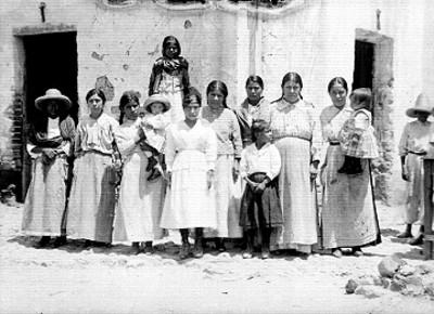 Mujeres campesinas, retrato de grupo