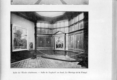 Vista parcial de la sala de Raphael y su pintura Los desposorios de la Virgen, reprografía