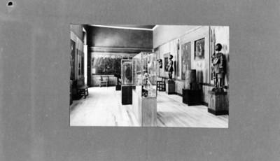Sala con objetos prehispánicos y de la conquista, reprografía