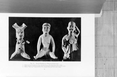 Figuras antropomorfas en estado sedente, publicación