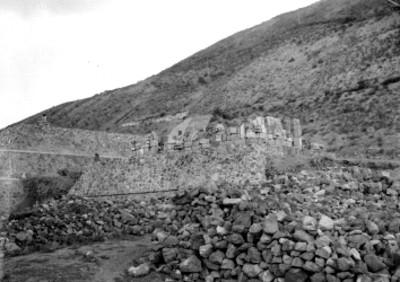 Pirámide de la Luna antes de su restauración, vista parcial