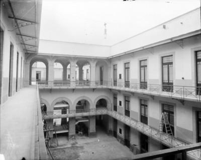 Secretaría de Guerra y Marina, patio y comedores, interiores, vista parcial