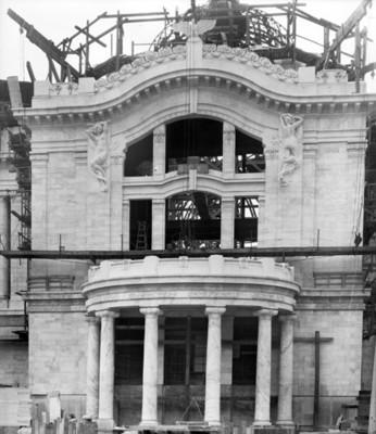 Palacio de Bellas Artes durante su proceso de construcción, vista parcial