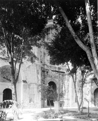 Iglesia de San Francisco, fachada, vista parcial