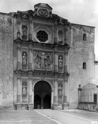Templo de San Agustin, portada