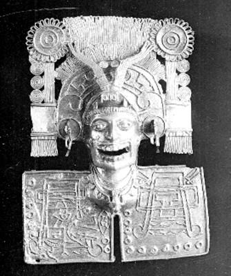 Pectoral de Miquiztli elaborado en falsa filigrana de oro
