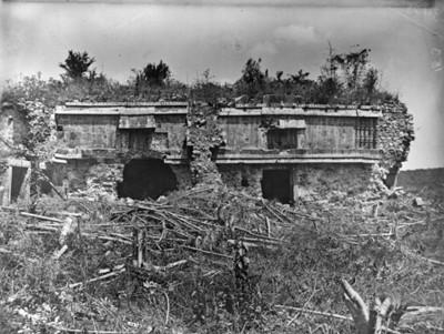 Edificio de arquitectura Pucc en zona maya