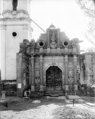 Iglesia de Santa María, fachada