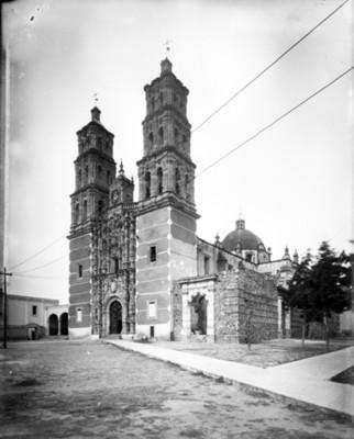 Parroquia de Dolores, fachada