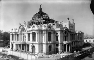 Teatro Nacional ahora el Palacio de Bellas Artes, en proceso de construcción