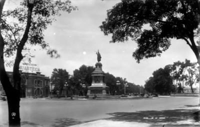 Monumento a Cuitlahuac en Paseo de la Reforma