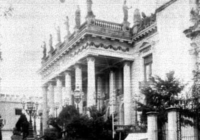 Teatro Juárez, fachada