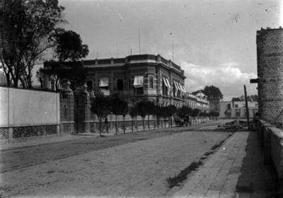 Residencia Azurmendi, fachada, vista desde Sadi Carnot norte