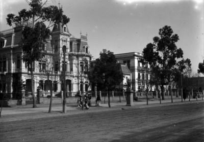 Residencia de Azurmendi en la colonia San Rafael, fachada