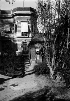 Andador del jardín de la mansión de Azurmendi, vista parcial