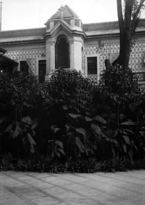 Capilla de la residencia Azurmendi, fachada, vista parcial