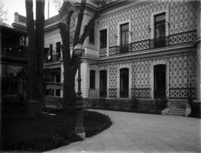 Patio de la casa Azurmendi, vista parcial