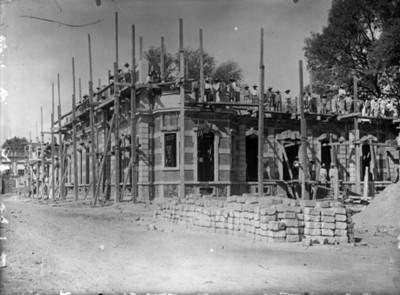 Casa de Azurmendi durante construcción