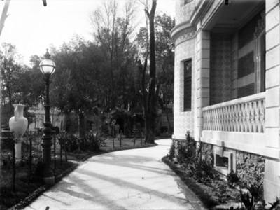 Andador principal de la casa de Azurmendi, vista parcial