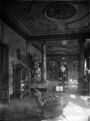 Biblioteca de la casa de Juan Antonio Azurmendi, interior