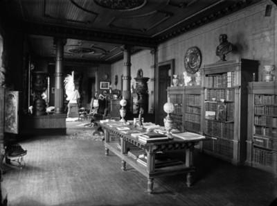 Biblioteca de la mansión de Azurmendi, interior