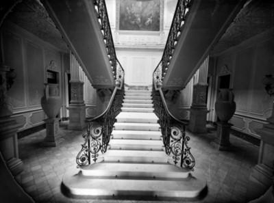 Escalera en una casa de la colonia San Rafael, vista parcial